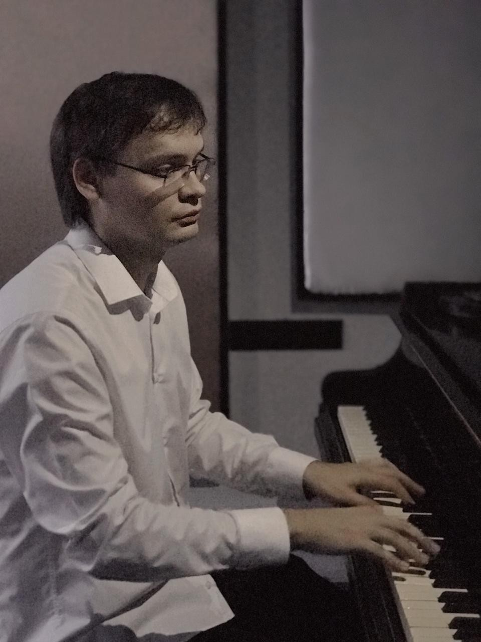 Андрей Сергеевич
